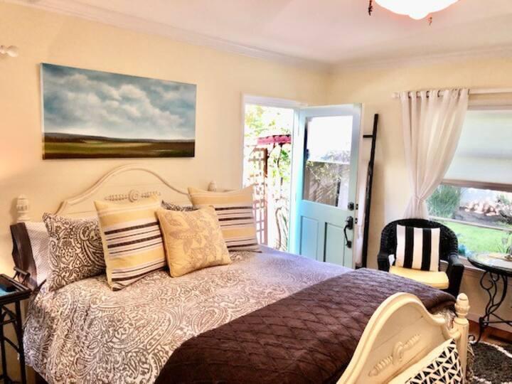 Santa Monica Beach Luxury Suite