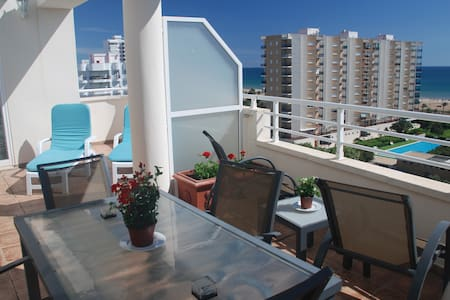 Penthouse very bright, near sea 6/8 PAX + WIFI