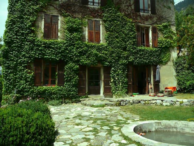 Maison 1900 au coeur de Briancon - Briançon - Rumah