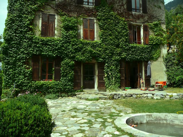Maison 1900 au coeur de Briancon - Briançon - บ้าน