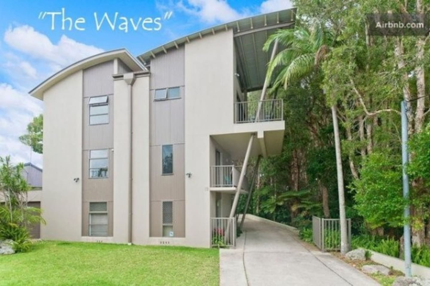 The Waves - A private retreat with only three apartments in the block.