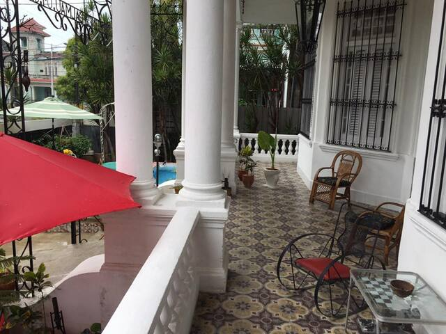 Habana 1915, B&B. Most central location. R4 (3P)