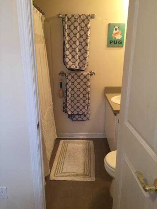 2 Full Bathrooms in each bedroom