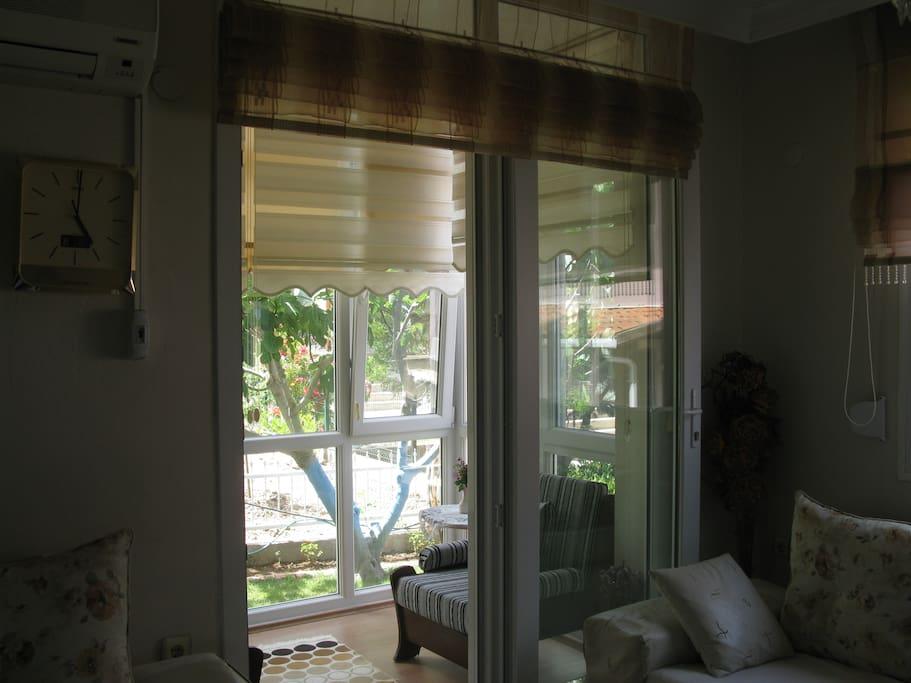 the living room open  balcony (Urla)