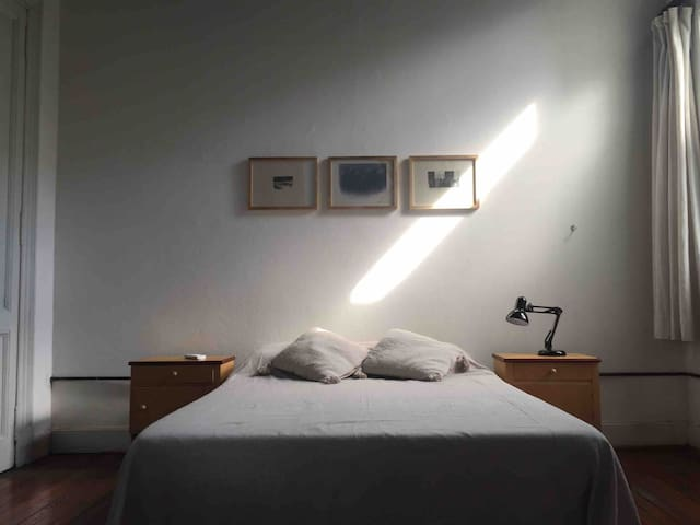 Private room in house Nr San Telmo