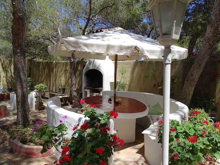 Bonita Casa relax a 200mt del mar con patio ET6488