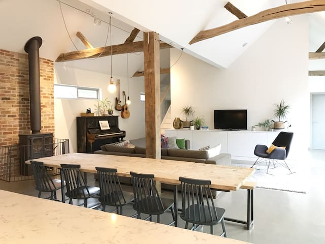 The Cartlodge: Modern, rural Essex barn conversion