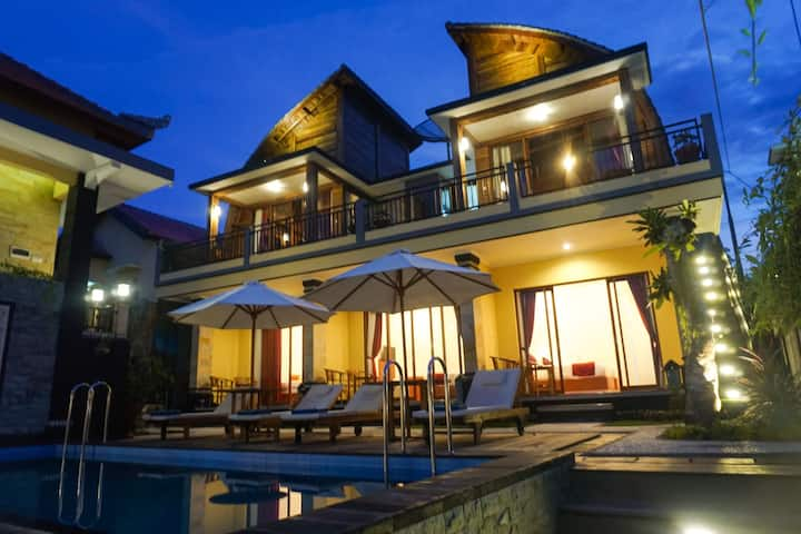 New villa  ,with  swimming  pool  and  good view