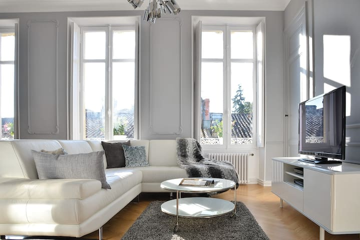Haussmann Style Apartment with Citadel view - Blaye - Departamento