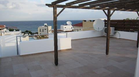 апартаменты на море, северный Кипр
