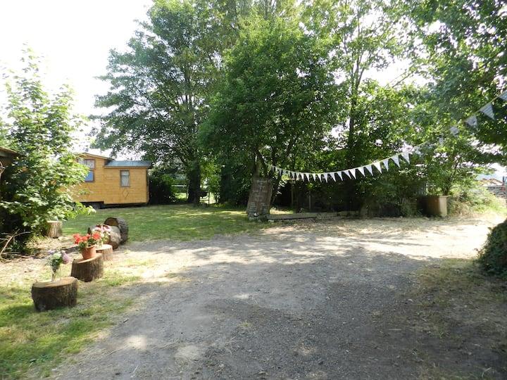 Tiny House au milieu des champs
