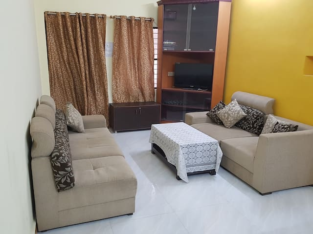 2 BR cosy flat near mehdipatnam