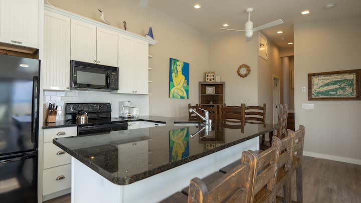 Private 3 Bedroom Amagansett on the Ocean with WiFi, Clean Amenities, Flat Screen Tvs