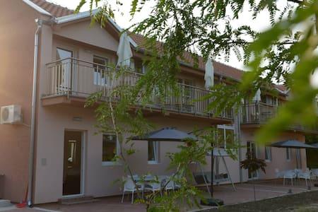 VILA NERA - BEAUTIFUL NATURE LAKES - Bela Crkva - Apartment