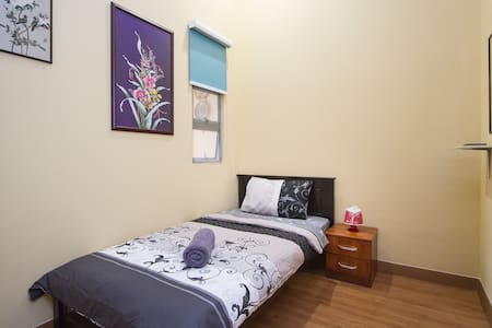 Single Room # 4 in Heritage House - George Town - Talo