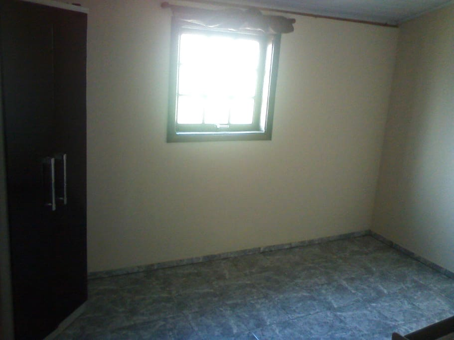 quarto para hóspedes (acomoda até um casal)