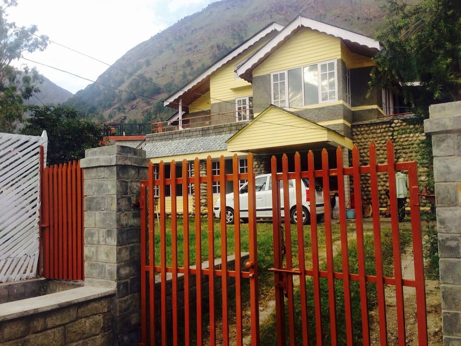 Chetanvi Cottage : Charming Villa in Parvati Valley.