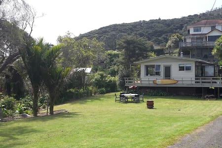 Idyllic Irishtown - Kuaotunu