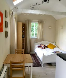 Cosy Annex in a beautiful part of Winchester
