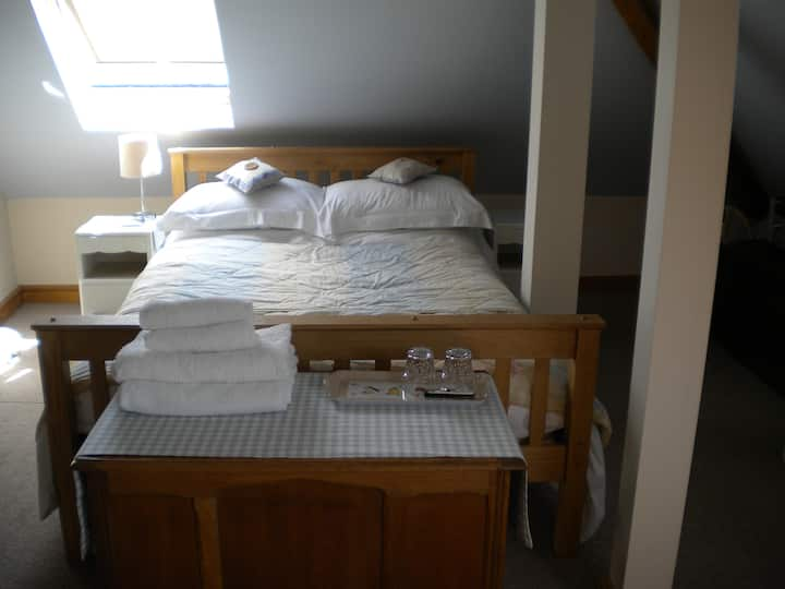double room upstairs (fr)