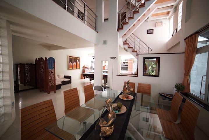 Beautiful 350sqm architect townhouse - Bangkok - Stadswoning