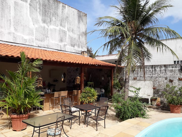 Casa perto da Praia com piscina e churrasqueira.