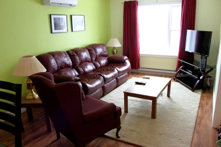 2 bedroom apartment, modern and very clean...