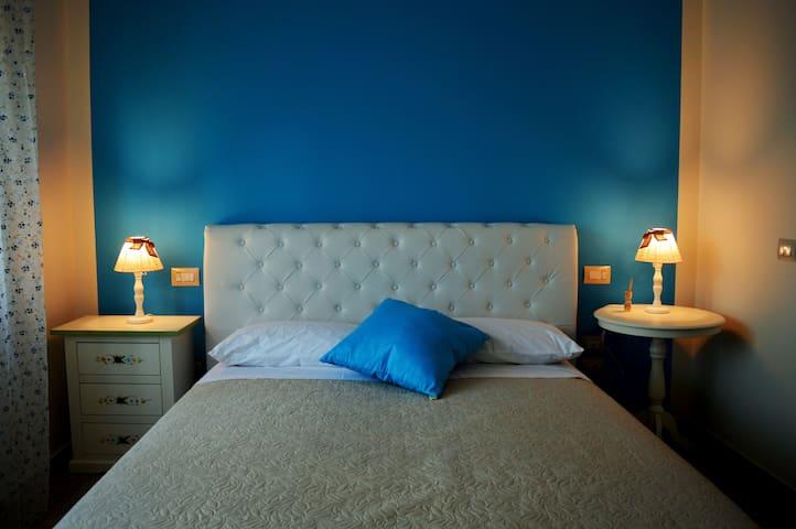 Harmonia Bed&Breakfast - Camera Zaffiro - Sant'Elpidio a mare - 家庭式旅館