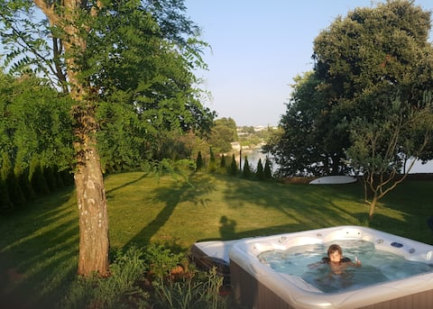 New jacuzzi in the garden hidden from the view!