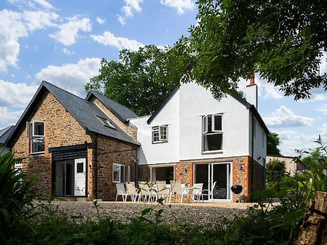 Luxury 6 bedroom house, private estate North Devon - Yarnscombe - Dům