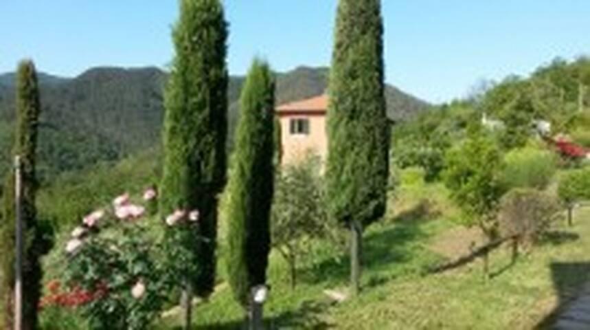Casale nell'entroterra delle 5Terre - Pignone - วิลล่า