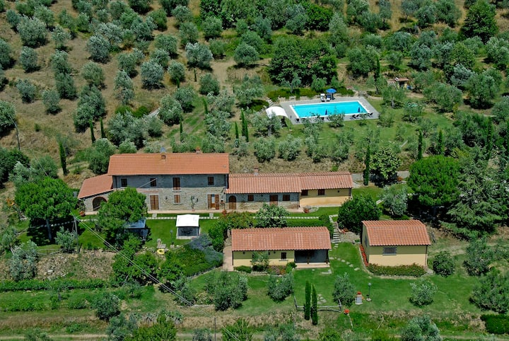 Villa Betulla, private with pool, garden and view
