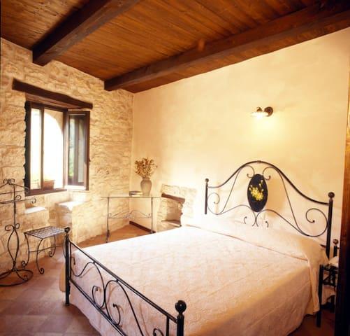 Castello e borgo - Acquasanta Terme - Kasteel