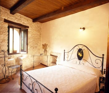 Castello e borgo - Acquasanta Terme - ปราสาท