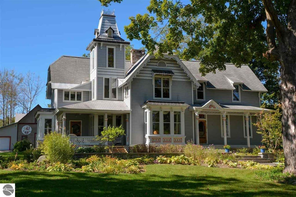 The Greilick Home Houses For Rent In Traverse City