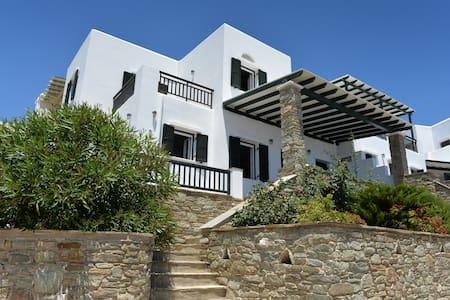 Pelagos - Agios Sostis - Villa