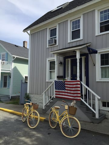 Lovely Historic Seaside Apartment - Stonington - Byt