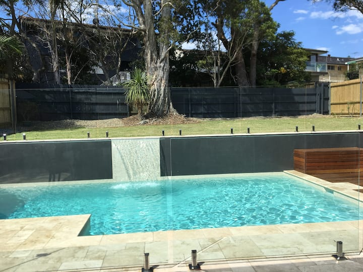Brand new luxury house with heated pool & sea view