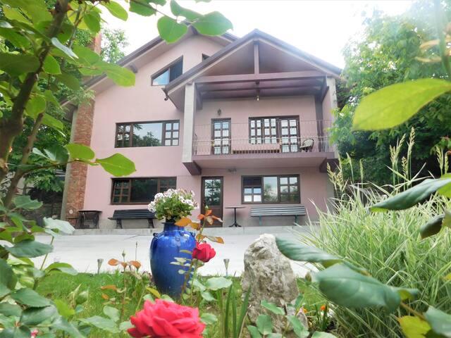 Cherry House Sararie