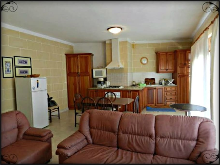 very  specious and fully equipped kitchen/dining