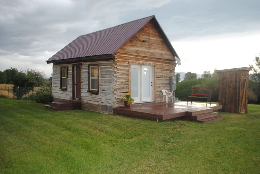 Bear lake cabin with beach access cottages for rent in for Fish lake cabin
