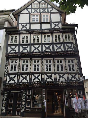 Wohnen im Baumeisterhaus - Bad Hersfeld - Lyxvåning