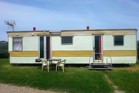 Mobil home en Camping Somo (Suesa) - Suesa