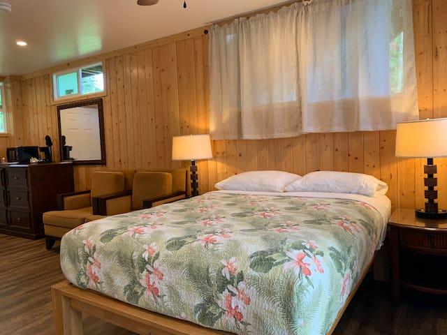 Stay in Hana at Hana Organic Farm and Retreat #2