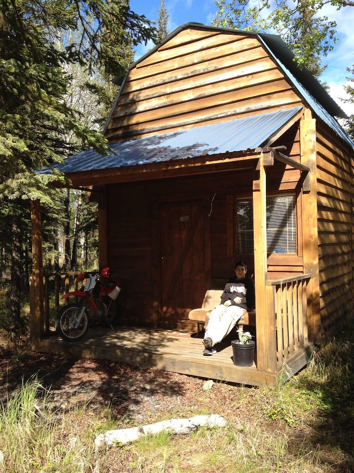 EaglesNest Cozy Secluded Hideaway Cabin