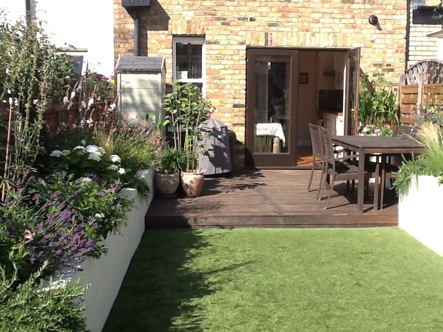 Pretty garden with outdoor sitting area