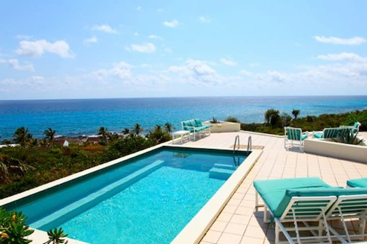 White Cliff Estate + FREE EcoTour - Long Island, The Bahamas - Villa