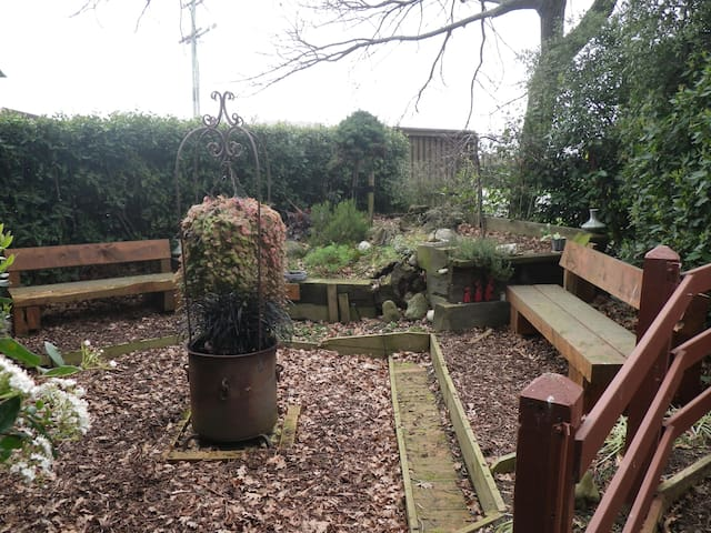 Rustic garden country retreat - Kirwee - Loteng Studio