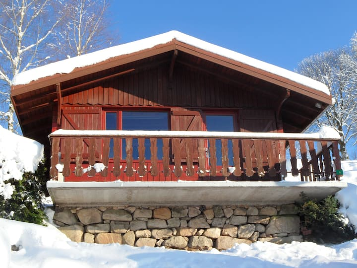 Chalet with one bedroom in Le Tholy, with wonderful mountain view, shared pool and furnished garden - 15 km from the slopes