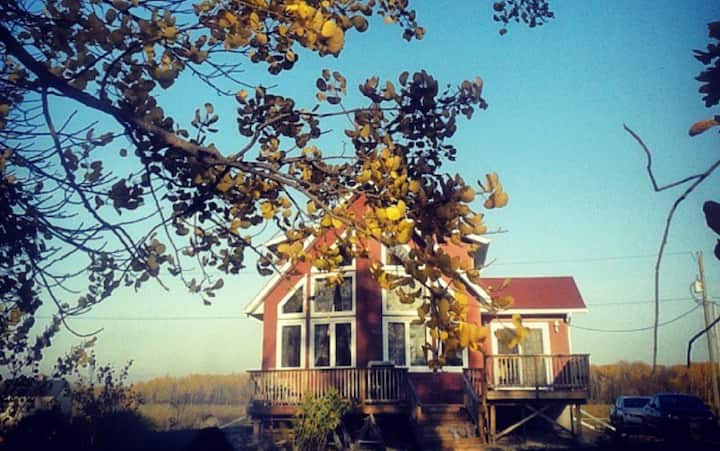 Lake front Steep Rock Cottage